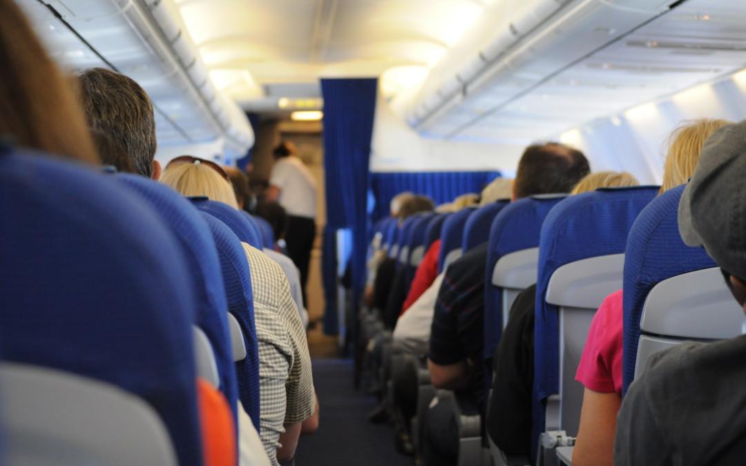 Dios sana en los aviones
